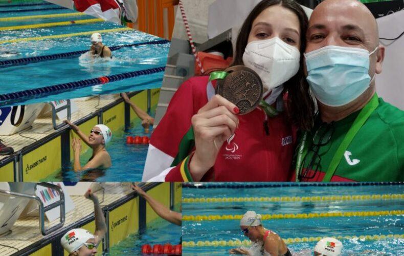 A Atleta da ADADA Renata Pinto ganha medalha de Bronze